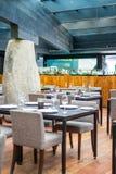 在混血儿餐馆的表在圣地亚哥智利 图库摄影