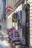 在清早光的烟草商店在维也纳 免版税库存照片