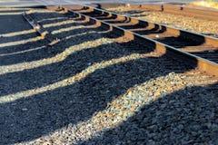 在清早光的铁轨 免版税库存图片