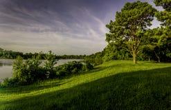 在清楚的小河,阿肯色的日出 免版税库存图片