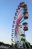在清楚的蓝天背景的弗累斯大转轮 免版税库存照片