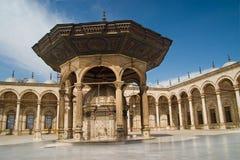 在清真寺穆罕默德里面的阿里 库存图片