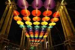 在清迈花节日的伞装饰,泰国 库存照片
