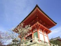 在清水寺的门 免版税库存图片