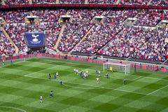 在温布利球场,伦敦的足球比赛 免版税库存图片