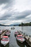 在温德米尔,湖DISTRICT/ENGLAND - 8月20日的BOWNESS :小船 库存照片