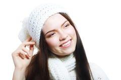 在温暖的帽子的妇女衣物 免版税库存图片