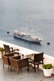 在温暖的日落光的Fira,圣托里尼|希腊 免版税图库摄影