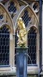 在温莎城堡的圣乔治和龙喷泉 库存图片