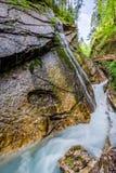 在温巴赫瀑布的行动迷离在阿尔卑斯 库存图片