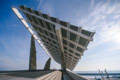 在港口口岸论坛的太阳电池板,巴塞罗那 免版税库存图片