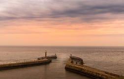 在港口的日出 库存图片