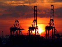 在港口的日落 免版税库存照片
