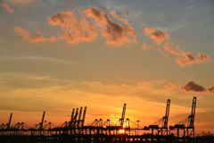 在港口的日落 图库摄影