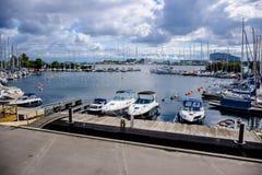 在港口的游艇码头在Langelinie码头结束时在哥本哈根 免版税图库摄影
