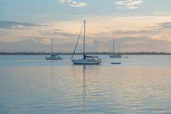 在港口的风船 免版税库存图片