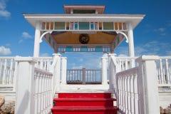 在游泳池上的大阳台在旅馆Gaviota里 库存照片