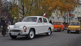 在游行期间的葡萄酒波兰汽车 库存照片