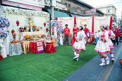 在游行的美好的妇女天使展示在农历新年节日 免版税图库摄影