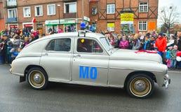 在游行的经典之作波兰汽车华沙 库存照片