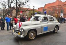 在游行的经典之作波兰汽车华沙 免版税库存照片