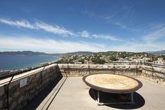 在游览上du Suquet,戛纳,法国屋顶  免版税库存照片