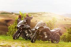 在游览中的摩托车骑士 免版税库存图片