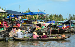 在湄公河三角洲的浮动市场,越南 免版税库存照片