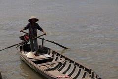 在湄公河三角洲的轮渡 免版税库存图片