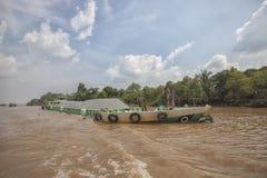 在湄公河的小船在越南 免版税库存照片