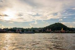在湄公河的巡航 库存照片