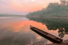在湄公河的日出 免版税库存图片