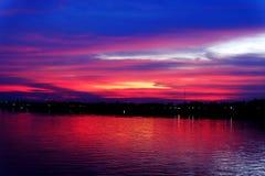 在湄公河的日落Nongkhai的 免版税库存图片