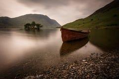 在湖区的小船在英国 库存照片