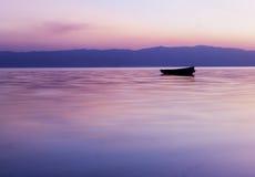 在湖奥赫里德的日落 库存照片