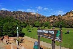 在湖好莱坞公园的好莱坞标志 免版税库存照片