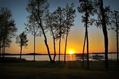 在湖欧文的日落在Bemidji明尼苏达 库存照片