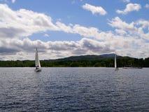 在湖温德米尔,湖的帆船区 免版税图库摄影