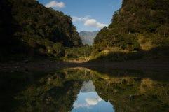 在湖的一处象蝴蝶的风景 库存照片
