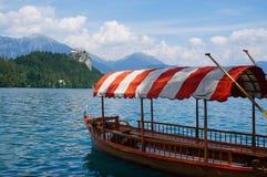 在湖的划艇 免版税图库摄影