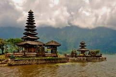 在湖的印度寺庙 图库摄影