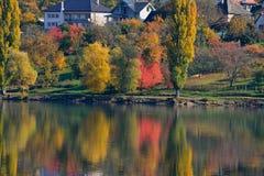 在湖的反映 图库摄影