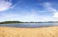 在湖的夏日 库存照片