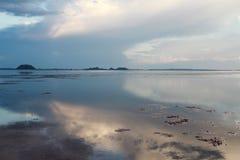 在湖的好的日落,南部泰国 图库摄影