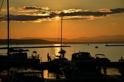在湖的小船是不可思议的 免版税图库摄影