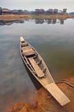 在湖的小船- Rangamati 免版税库存照片
