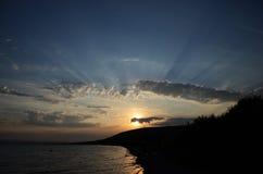 在湖的日落在哈卡斯共和国Itkul 免版税库存图片