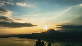 在湖的日落在夏天 股票视频