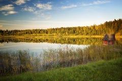 在湖的日落在秋天 图库摄影