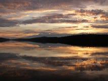 在湖的日落 图库摄影